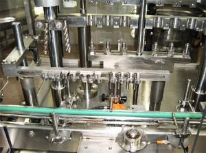Embotelladora-y-Cerradora-monobloque-Bosch-VSR-F01