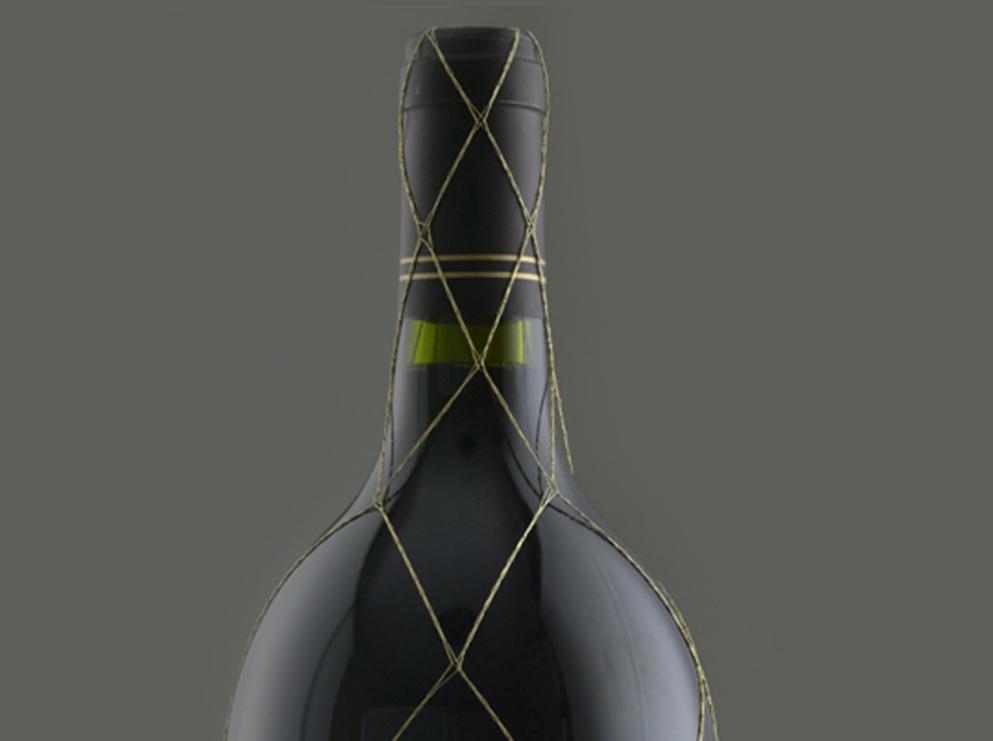 Etiquetas, Capsulas y Mallas para una Botella de Vino1