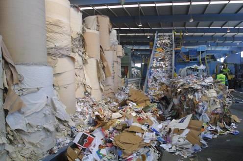 Espana recicla el 84 porciento de papel y carton que se usa