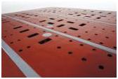 Las bandas antideslizantes sobre la cubierta del Endur i9 sujetan y aseguran la carga.