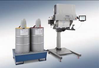 Las bolsas de espuma Bagpacker² son fabricadas por el cliente con el sistema de espuma en bolsas, es decir, una máquina desarrollada por Storopack rellena de espuma las bolsas de film.La máquina está equipada con una nueva pantalla de 10 pulgadas, que presenta un gran número de funciones adicionales. El software en el que se basa la máquina ha sido desarrollado por Storopack.