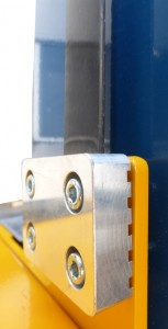 Detalle de la nueva correa de elástomero en el punto de sujeción con el cabezal de flejado.