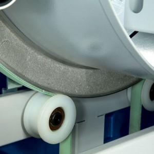 Anillo rotativo: El anillo, sostenido por rodillos de resina de poliamida de alta resistencia, es fabricado con aluminio fundido en una sola pieza. Esto garantiza un alto nivel de solidez y fiabilidad del movimiento de rotación.