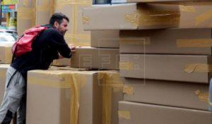 las cajas de cartón generan menos emisiones que las de plástico