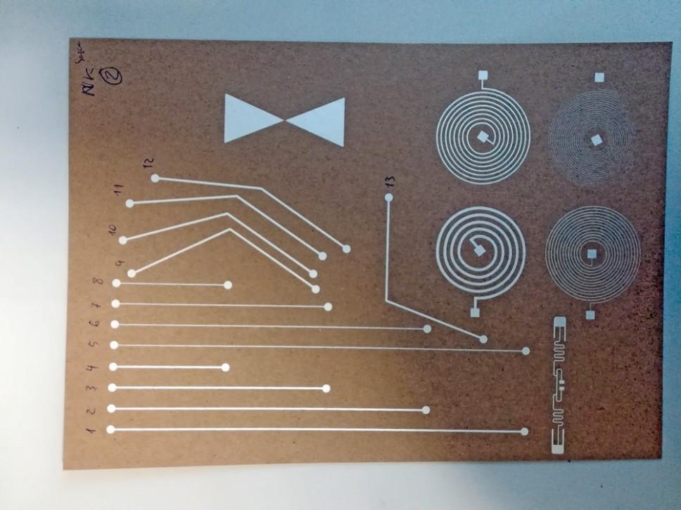 Circuitos electrónicos impresos con las tintas conductivas desarrolladas en BIO-CONDUCTIVE-INKS.