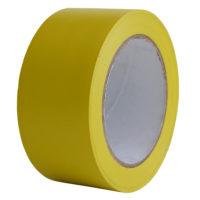 Cinta adhesiva para marcar suelos con capa antideslizante, impermeable y muy resistente.